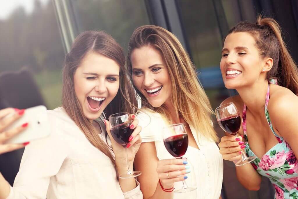 Bor hölgyeknek, bor nőknek